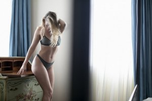 Jeannice escort in Revere & thai massage