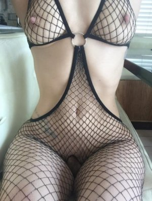 Maritxu erotic massage and escort girl