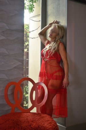 Natalia live escorts in Biloxi and nuru massage